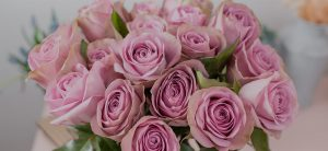 5 benefits of having flowers at home