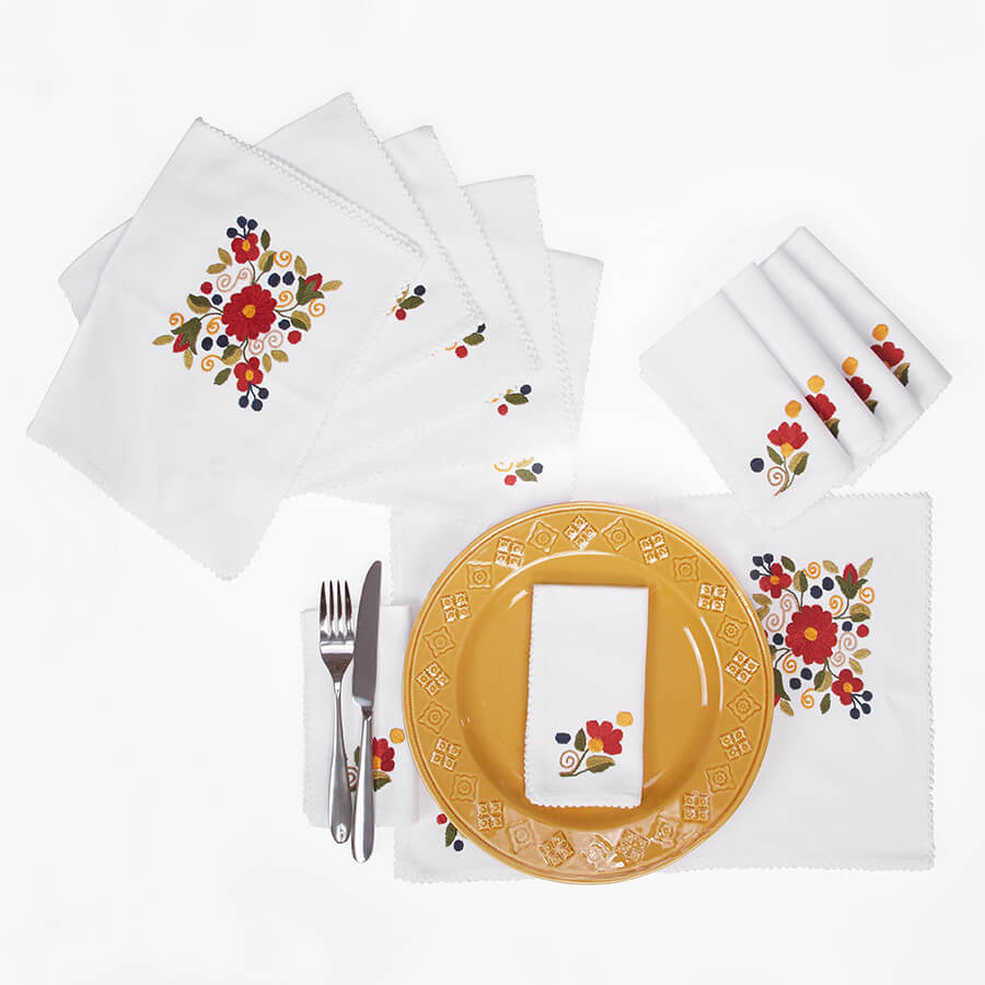 Vintage Set of Place Mats + Napkins